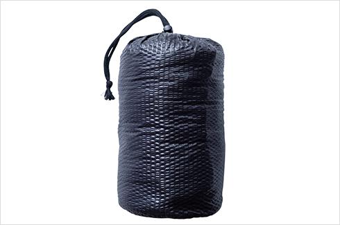 写真:収納・持ち運びも便利な収納バッグ付
